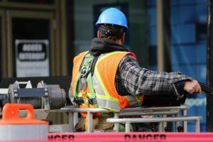 Bauarbeiter mit Berufsunfähigkeitsversicherung