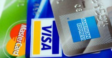 MasterCard Visa und American Express Kreditkarten aufgefächert