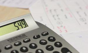 Taschenrechner zum berechnen von Mahngebühren